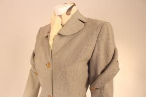 Closeup of 1940s Adrian suit, 1958.30AB (photo: Allison Moorman)