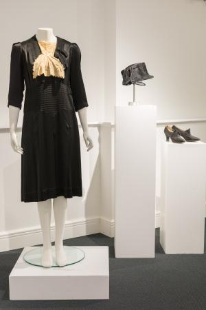 1920s dress, shoes, and cloche hat